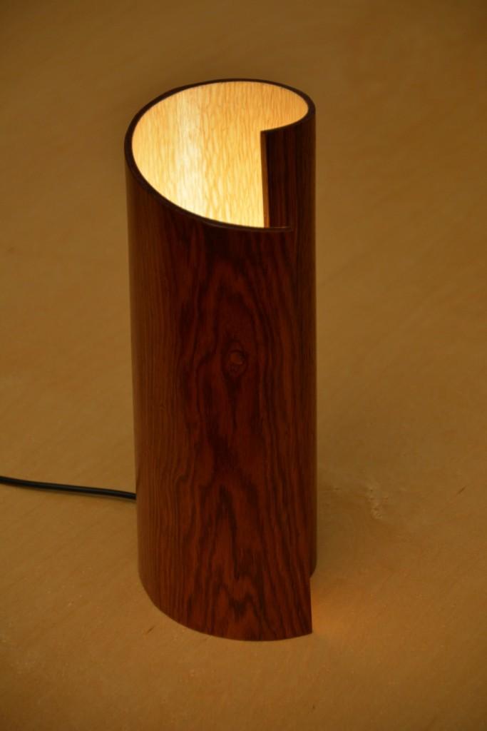 lampe en bois roulé