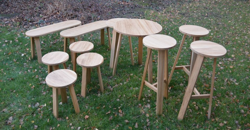 tabourets bancs et tables