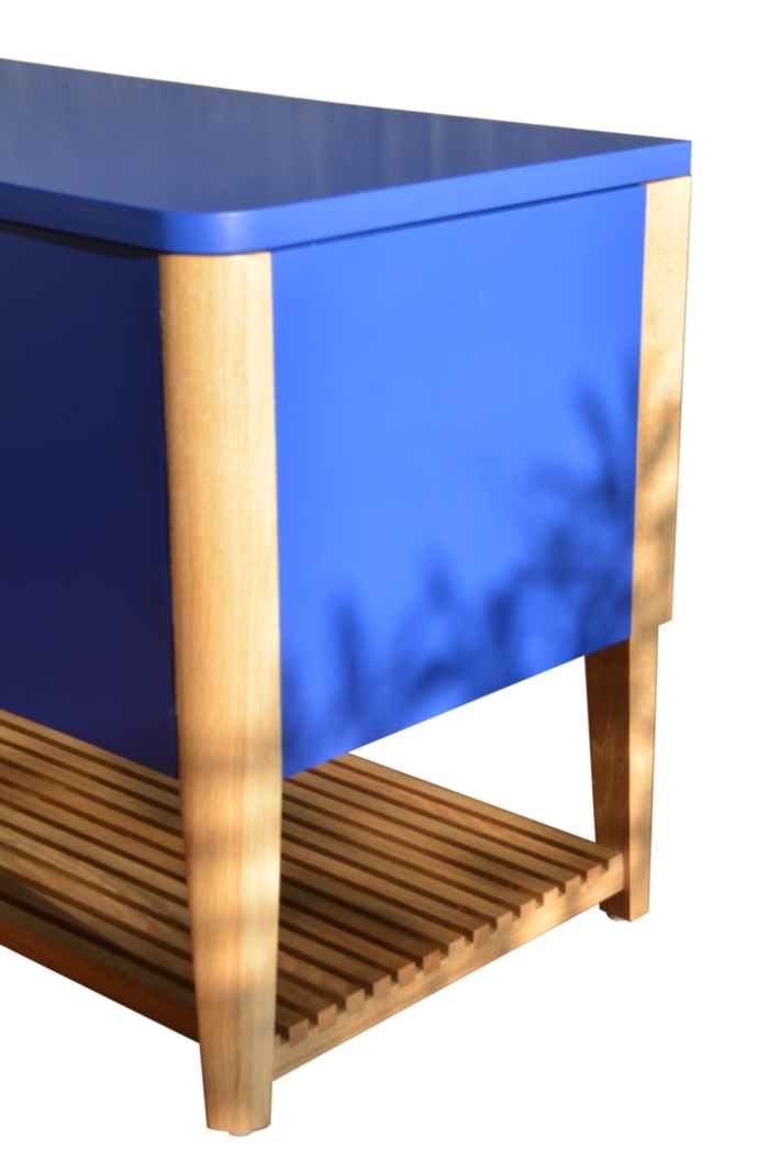 banc coffre bleu eb nisterie 111. Black Bedroom Furniture Sets. Home Design Ideas