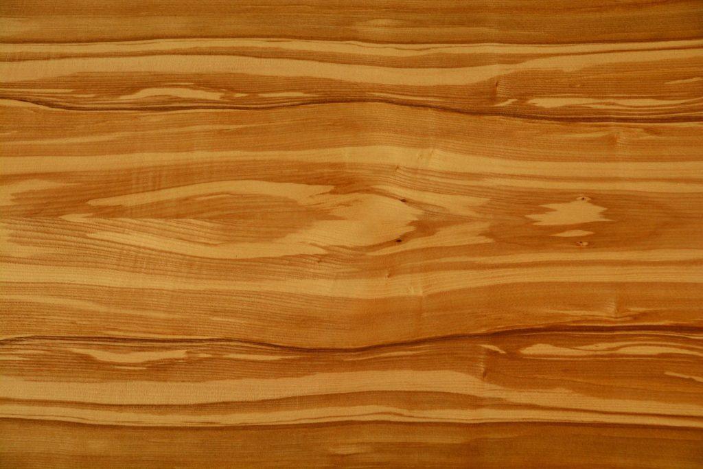 Placage de bois clair et décoratif