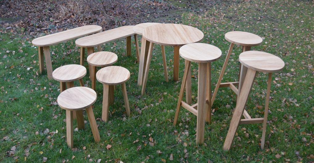 tabourets bancs et tables